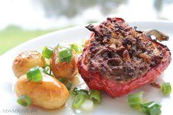 Peberfrugt med oksekødsfyld og kartofler s. 83