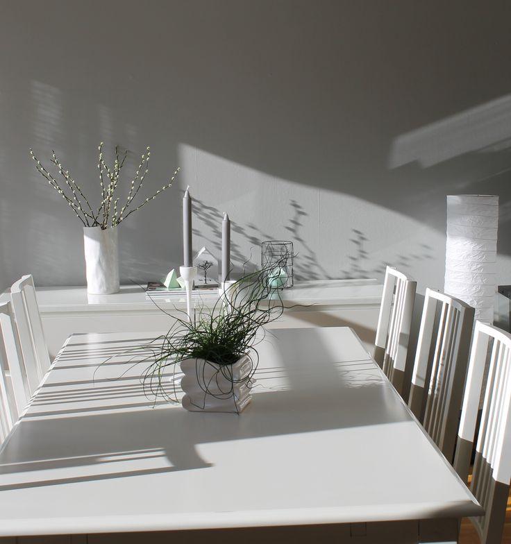 #spisestue #hvitt #nordiskehjem #myhome #white #clean #simple #love #norway  Photo by Eilen Johannessen