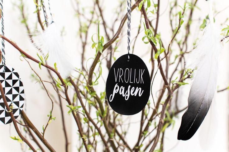Nog 18 dagen en dat is het Pasen! Wat mij betreft het ultieme lentegevoel. Ik heb vrij weinig met de religieuze kant van Pasen, maar des te meer met de lente. Mijn favoriete seizoen! OpPinteresthou ik al sinds vorig jaar een 'Easter' bord bij met mooie en creatieve Paasideeën. Natuurlijk allemaal in Scandinavische stijl. Geen …