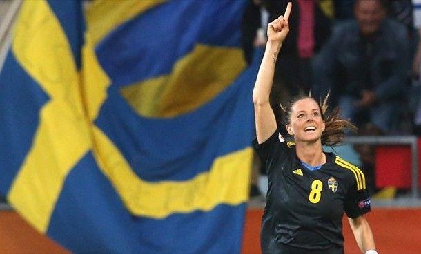 Lotta Schelin, joueuse vedette de cette équipe de Suède