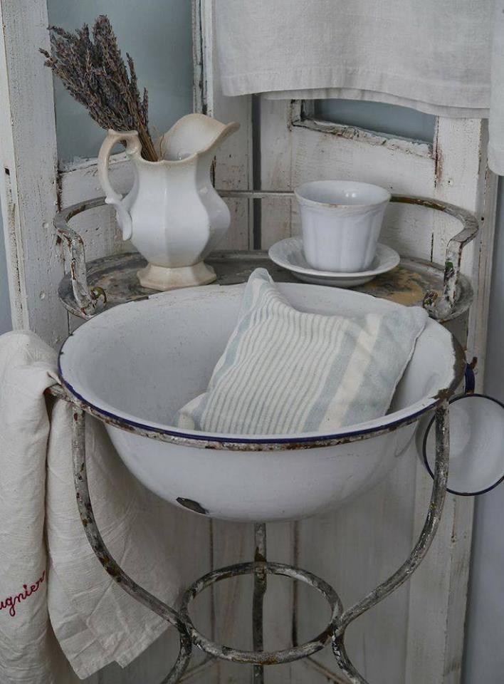 2969 besten emaille bilder auf pinterest zinn bauernk chen und vintage geschirr. Black Bedroom Furniture Sets. Home Design Ideas