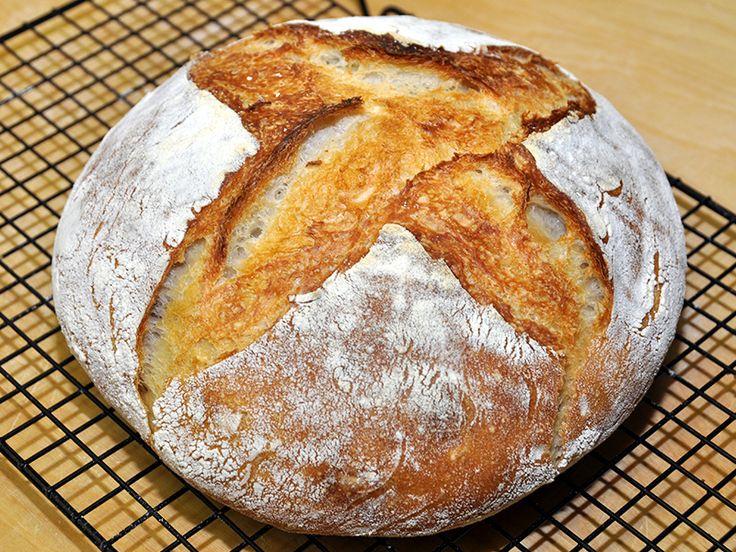 Ecco un'altra ricetta semplificata per fare il pane in casa senza bisogno dell'impastatrice. E' talmente semplice che lo ha realizzato mio figlio Luca tutto da solo.