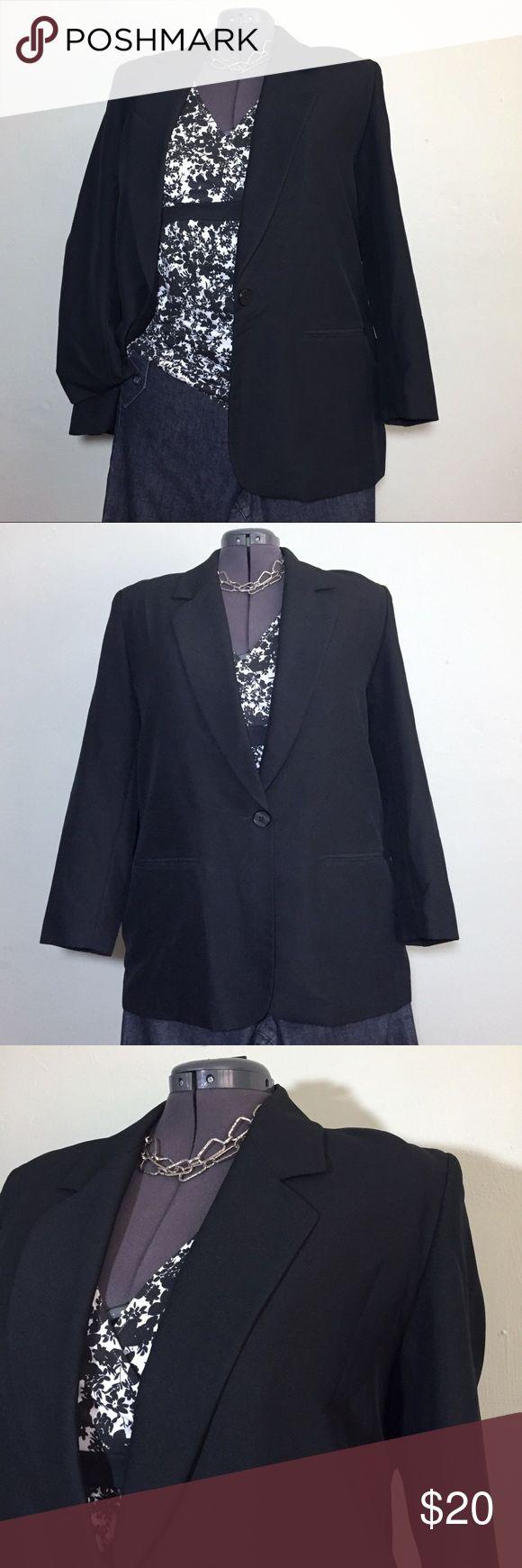 "Liz Baler Essentials Black Blazer Plus Size 20 Liz Baler Essentials Black Blazer. Plus Size 20 measures flat: 18"" across shoulders, 25"" across chest, 31"" long, 24"" sleeve. 100% poly and fully lined. 1018/100/102917 Liz Baker Essentials Jackets & Coats Blazers"