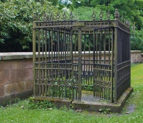 Anti Body-Snatching Defenses In Scottish Graveyard