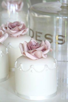 ❥ Rachelles Beautiful Bespoke Mini Cakes