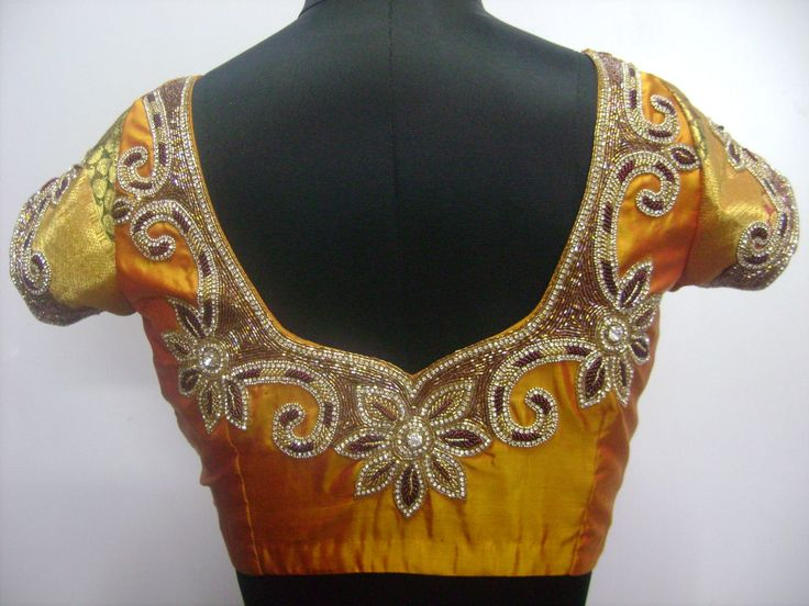 designer-blouses-jewellery-work