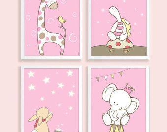 Por favor, visita mi tienda: https://www.etsy.com/shop/HappyNurseryArt  Un lindo conjunto de adorables criaturas para decorar la habitación de su bebé! Esta lista es un conjunto de 3 separado reproducción grabados.  Opciones (por favor elija durante la comprobación)  ~ ~ CADA TAMAÑO DE IMPRESIÓN ~ ~ 1. 8 x 10 (20X25cm) 2. 11 x 14 (28cmx35cm)  ~ ~ TIRAJE ~ ~ 1. papel de la foto profesional mediante tintas de pigmento UltraChrome probado para durar más de 100 años! Impresion...