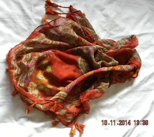 NEW LARGE SQUARE TASSLE SCARF BY MOODYS 100% VISCOSE