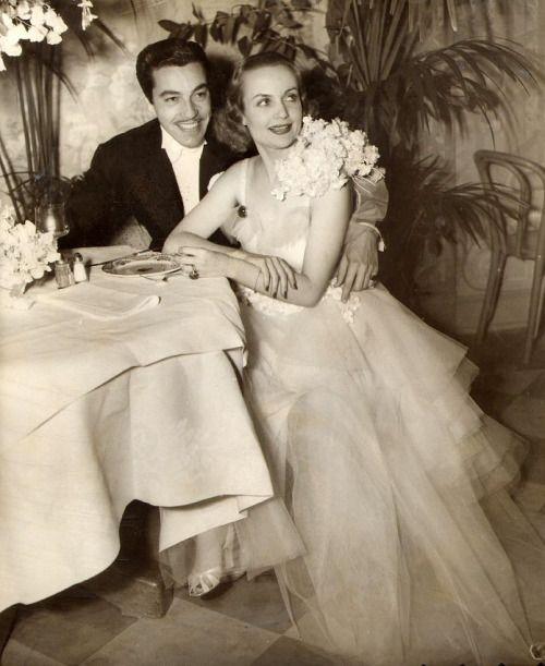 : carole lombard, cesar romero, 1936, vintage, actress, actor, candid. Valentino Vamp