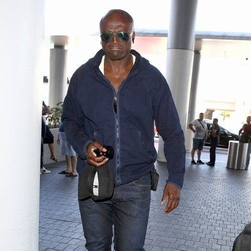 Seal explains classic song choice on new album https://tmbw.news/seal-explains-classic-song-choice-on-new-album  Seal included Charlie Chaplin's classic song Smile on his new album in the hope it will help people get through tough times.The British singer released his 10th studio album, Standards, earlier this month (Nov17), with some of his favourite ever songs making up the track list, including I've Got You Under My Skin and Luck Be a Lady.But it's Smile, first released as an instrumental…