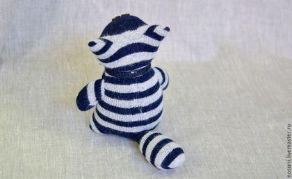 Игрушки животные, ручной работы. Кот из носков полосатый сине-белый Носуня. Носуни - игрушки из носков. Интернет-магазин Ярмарка Мастеров.