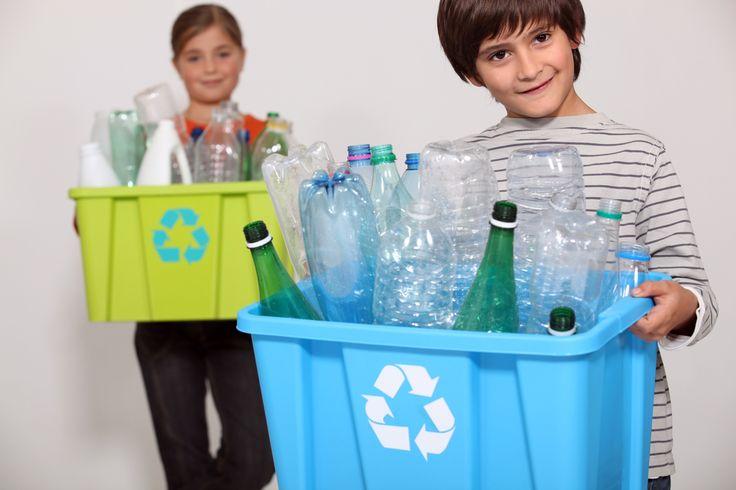Difendi l'ambiente e segui piccoli consigli su come organizzare gli spazi in casa per la raccolta differenziata. Basta sapersi attrezzare per rendere quella di separare i rifiuti una semplice abitudine quotidiana per evitare sprechi e salvaguardare l'ambiente.