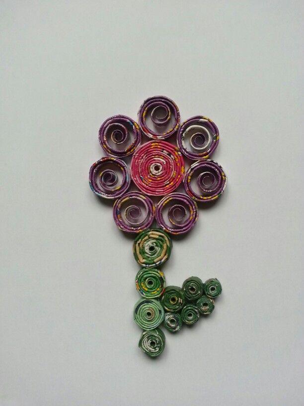 Fleur en papier recyclé/ magazine/journal