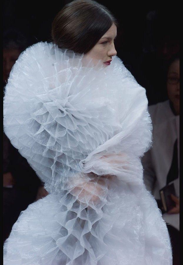 Fabric Manipulation for fashion, couture techniques: Junya Watanabe fall winter 2000