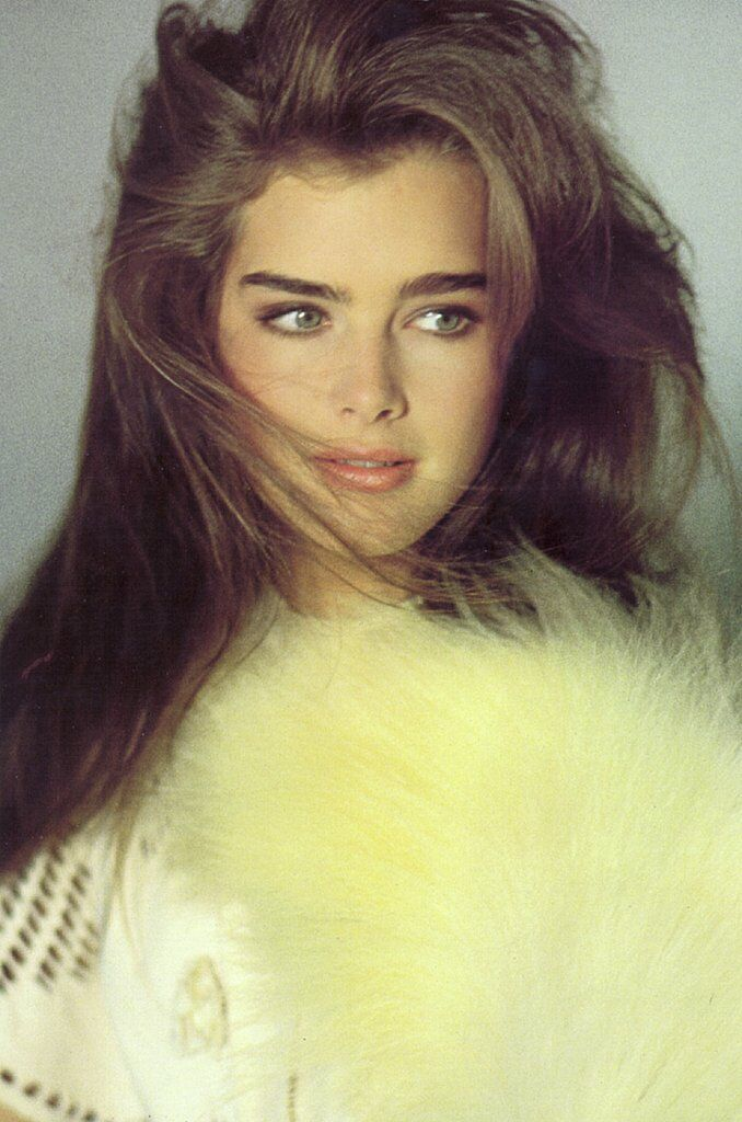 Brooke Shields is the real Queen of eyebrows. Pretty is not enough to describe her beauty.