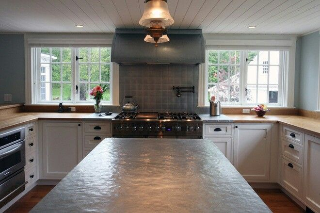 Hammered zinc countertop ideas for the new house for Zinc kitchen countertop