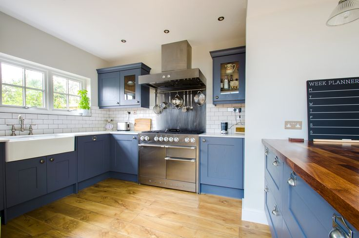 These photos are from a kitchen we completed for a modern family in Canterbury City Centre. Herringbone Kitchens specialises in bespoke and made-to-measure kitchens for modern living.