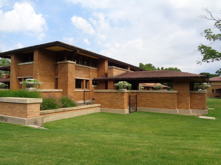 323 best craftsman prairie images on pinterest bungalows for Frank lloyd wright craftsman