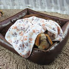 2017 Gato Transpirable bolsa de Reposo en Cama Perro Manta de Invierno Para Mascotas Plegable colchón de lana de Coral Cachemira Caliente Suave Estera de Dormir Dulce Perros camas(China)