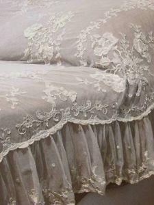 Dreamy Antique Tambour Applique French Net Lace Ruffled Coverlet | Vintageblessings