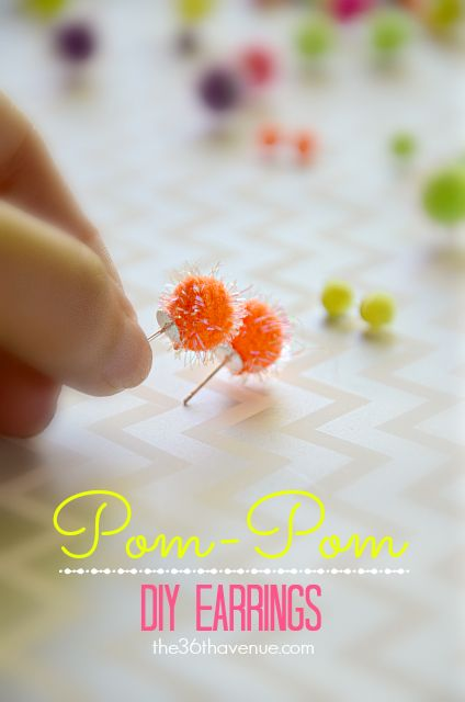 Free Halloween Printable and Pom Pom Earrings Tutorial at the36thavenue.com