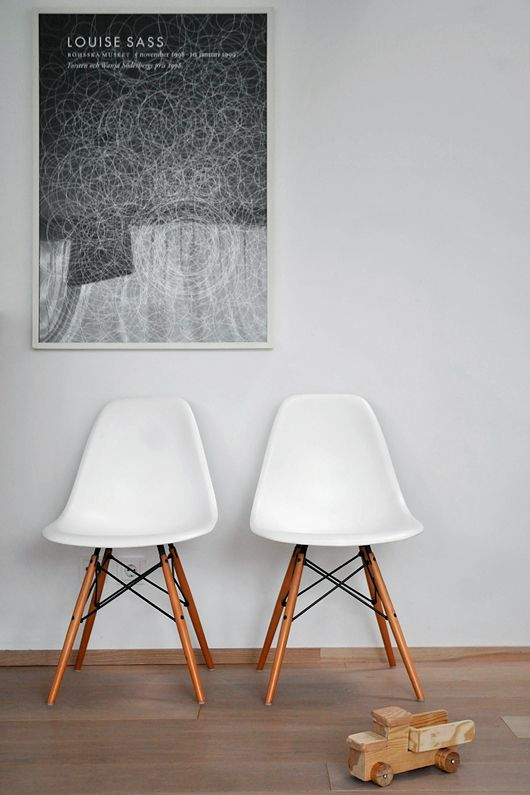 Trendenser.se: Eames Chairs, Offices Design, Living Rooms Design, Scandinavian Interiors, Living Spaces, Bedrooms Design, Kitchens Tables, Girls Style, Side Chairs