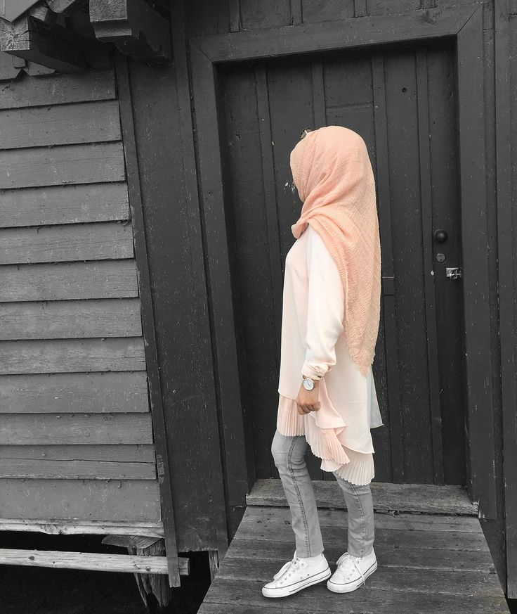 "1,848 Likes, 10 Comments - Ebru (@ebrusootds) on Instagram: "" Rose tunika  @duaa4you_ Hijab  @elmasscarves"""