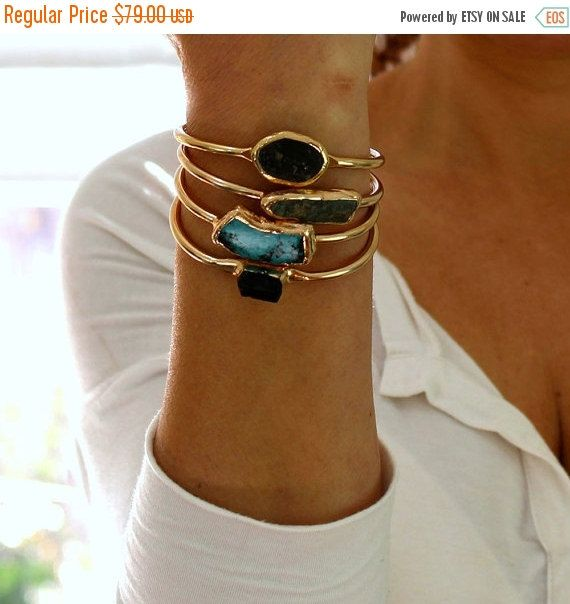 Valentines Day SALE - Bracelet manchette en Turquoise, turquoise, bracelet, Bracelet en Turquoise brut, pierres précieuses, Bracelet Turquoise, Bracelet manchette en or, T