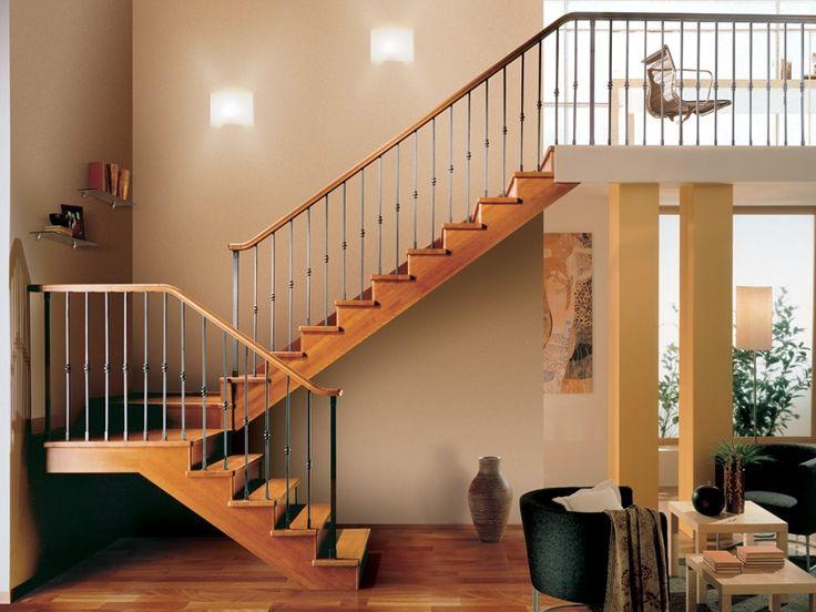 Escada aberta de madeira GARA by RINTAL