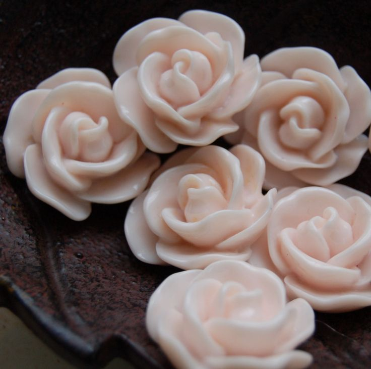 Flower Cabochons : 4 pieces Blush Pink Resin Rose Flower Cabochons