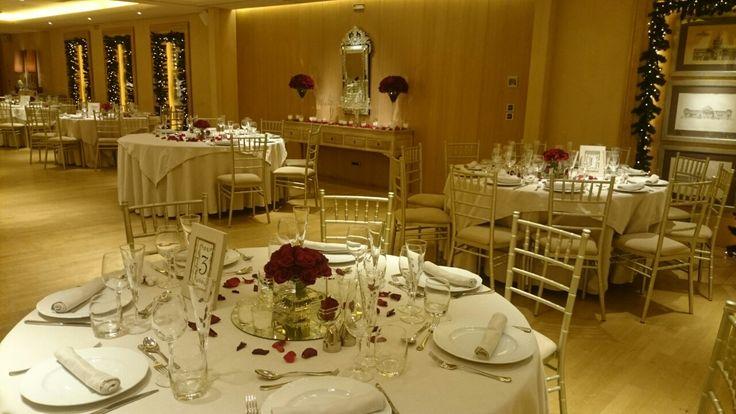 Ανθοστολισμός χριστουγεννιάτικου γάμου στο Margi Βουλιαγμένης #lesfleuristes #λουλούδια #ανθοσύνθεση #ανθοπωλείο #γλυφάδα #γάμος #βάφτιση #νύφη #δεξίωση