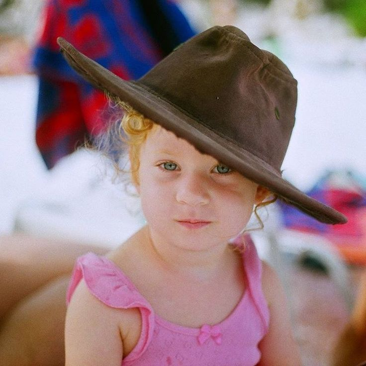 #my #sweety #niece #benim #tatlı #yeğenim #35mm #analogphotography #canon #ae1
