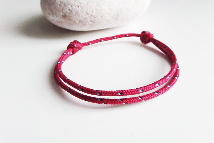 les 25 meilleures id es de la cat gorie bracelet nautique sur pinterest bracelets tress s. Black Bedroom Furniture Sets. Home Design Ideas