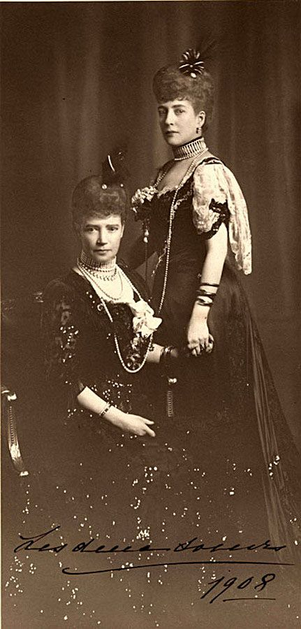 Empress Maria Feodorovna with her sister Dowager Queen Alexandra.