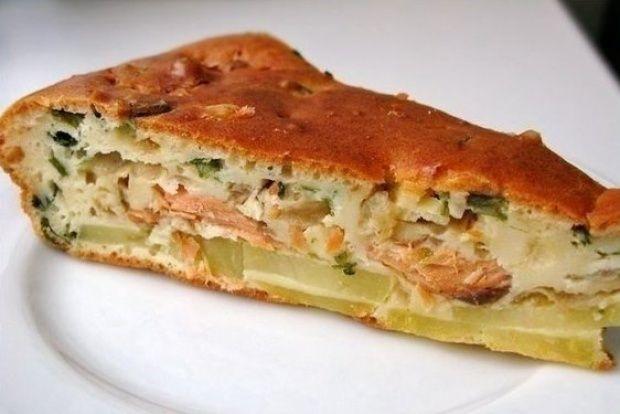 Заливной пирог с рыбой и картофелем