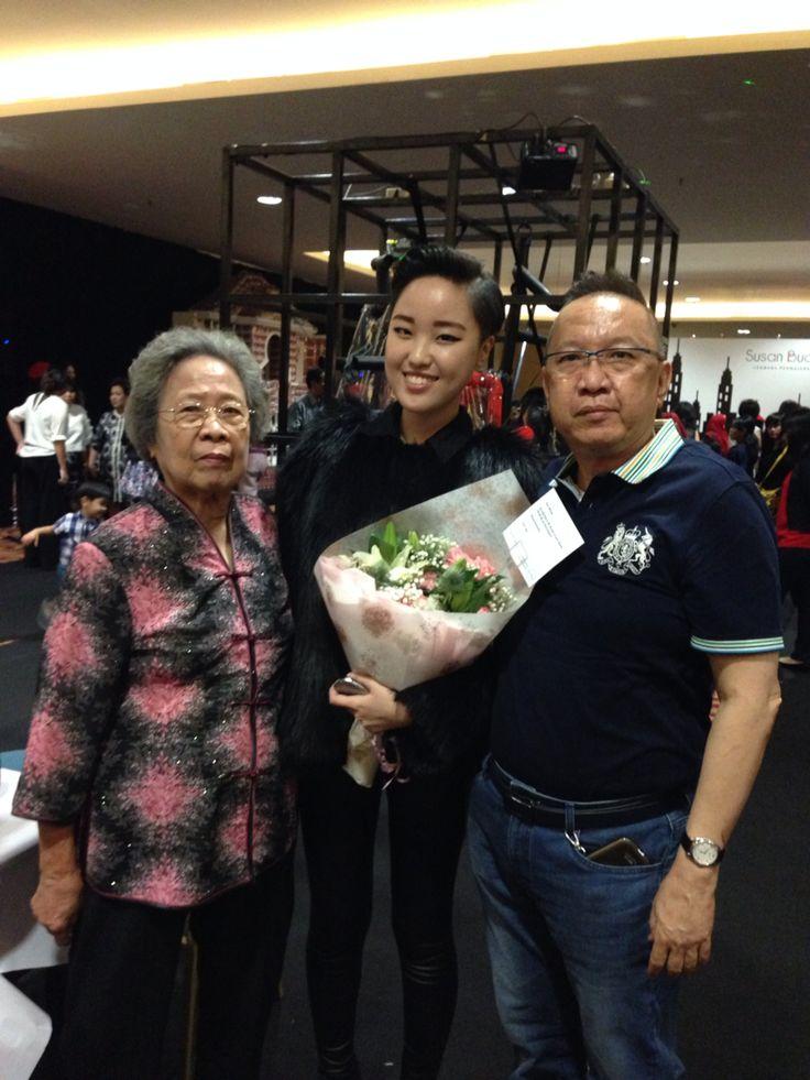 With daddy n grandma   [LPTB Susan Budihardjo Graduation Show 2014 - Ubiquitous Mod]