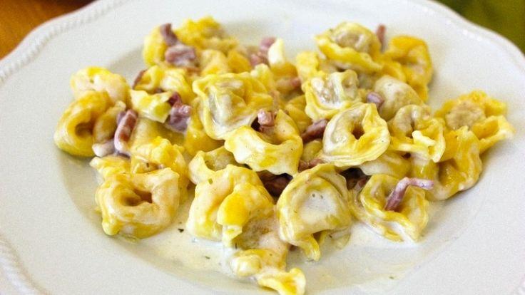 Tortellini panna e prosciutto: la ricetta perfetta per un piatto divino!