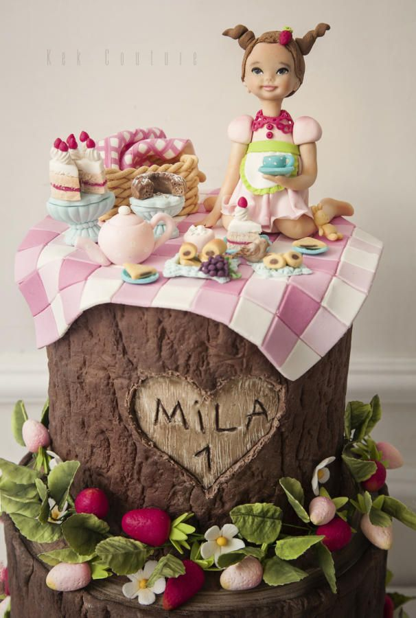 Picknick Cake by Kek Couture