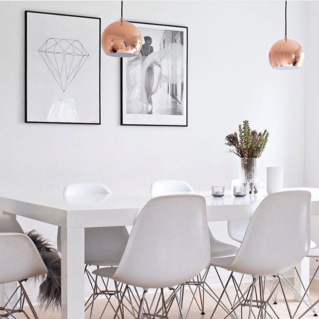 the beautiful dining space of freelance photo stylist @sannes_uni from Denmark☝🏻those copper lamps just stole my heart, aahh... good night dear all!💡 __ get inspired, follow @interior.hunter ✨ __  #interior123 #interior125 #interior444 #interior4all #interiorinspo #interiorinspiration #interiørmagasinet #interiorstyling #passion4interior #interior_and_living #interiorwarrior #interiorandhome #interior2you #nordicinspiration #nordichome #homedesign #homedeco #interiorforinspo #homeinterior…