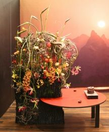 Who wouldnt want to dine at this table arrangement by Stoffer Veurman