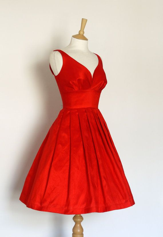 Scarlet Silk Dupion Prom Dress Made by Dig For von digforvictory