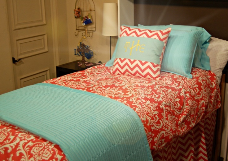 Coral Ozborne Duvet With A Blue Twinxl Quilt And Pillow