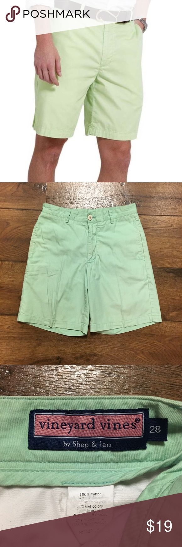 "Men's Vineyard Vine ""Club Shorts"" Men's Vineyard Vines lime green shorts in very good condition. Size 28. Vineyard Vines Shorts"