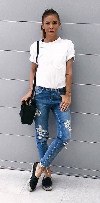 ootd bag + t shirt + rips