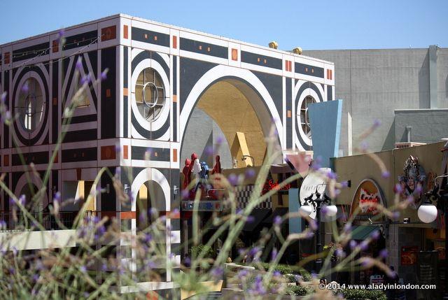 Horton Plaza in San Diego's Gaslamp Quarter | http://www.aladyinlondon.com