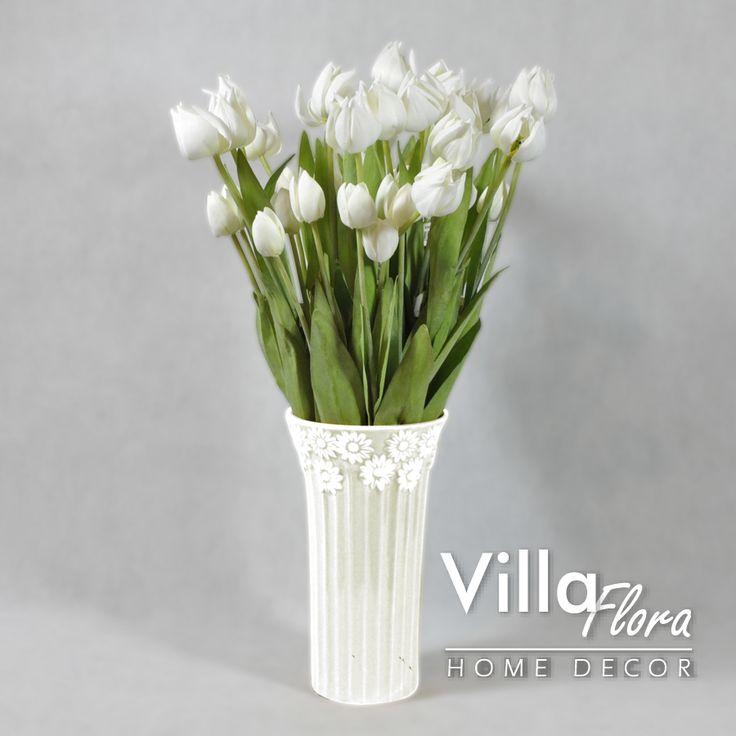 Elegancka kompozycja z białych tulipanów VillaFlora.pl