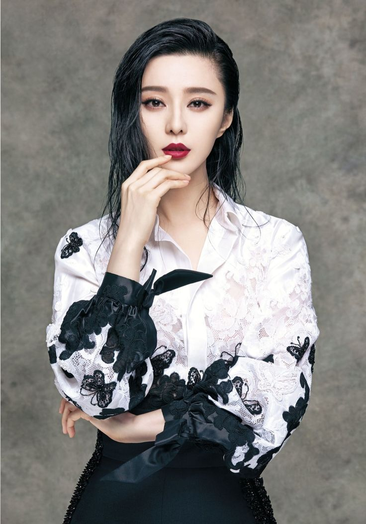 Chinese actress Fan Bingbing follows up her Vogue China cover with the September 2015 cover feature from Vogue Taiwan. Swathed in ornate and luxe fashions, the star poses for Sun Jun in sweeping capes, gilded feathers and floral prints for the photo shoot. Amber Yen-Chen Lo worked on styling with hair by Gao Jin and …