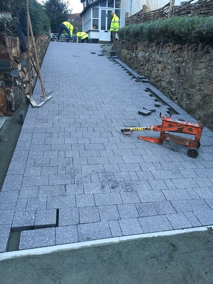 Spotted this beautiful driveway in Deganwy Marshalls blocks