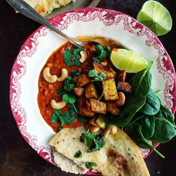 Vegansk Indisk linsgryta, daal, med rostad bombaypotatis med garama masala