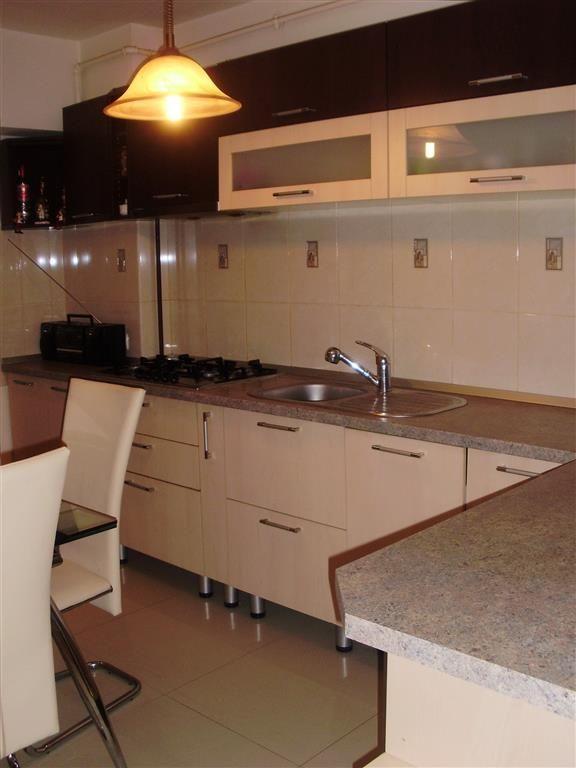 Vanzare apartament 3 camere decomandat , zona Astra , Brasov